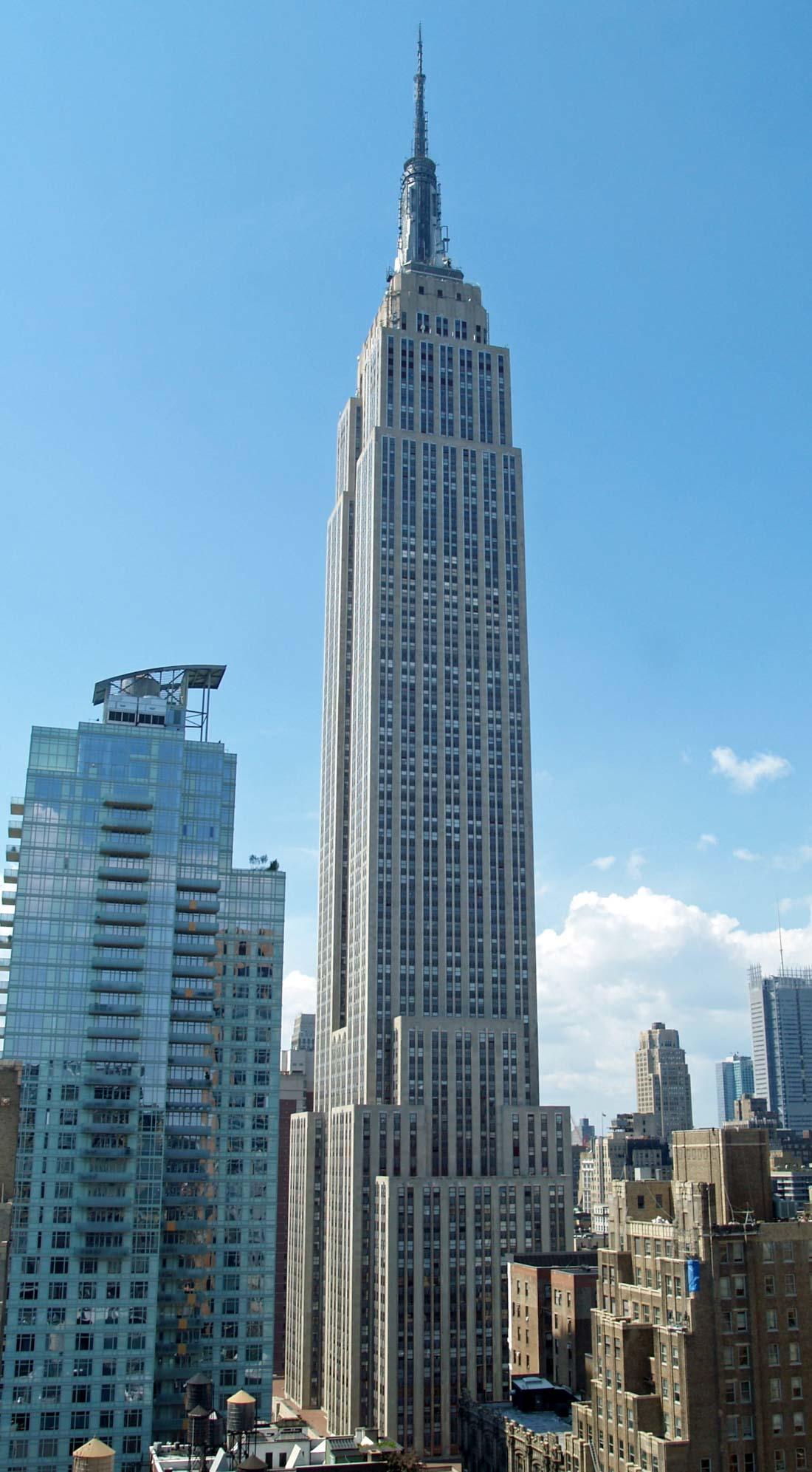 Эмпайр-стейт-билдинг (Нью-Йорк) — с 1931 по 1970 год являлся самым высоким зданием в мире. Высота со