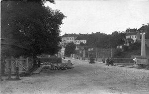 Площадь перед мостом с ивангородской стороны