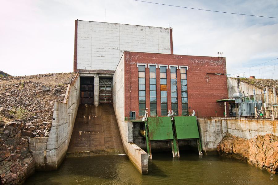 0 ccb57 e9873ac8 orig Прогулка по ГЭС в Териберке (Мурманская область)