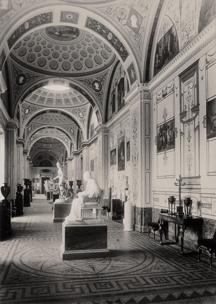 Галерея истории древней живописи в здании Нового Эрмитажа