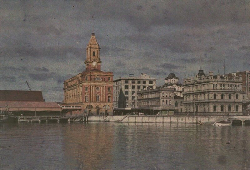 Ferry buildings, 1915, Auckland, by Robert Walrond.jpg