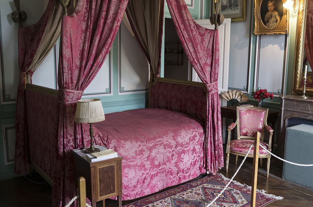 Bedroom-at-Chateau-Le-Lude.jpg