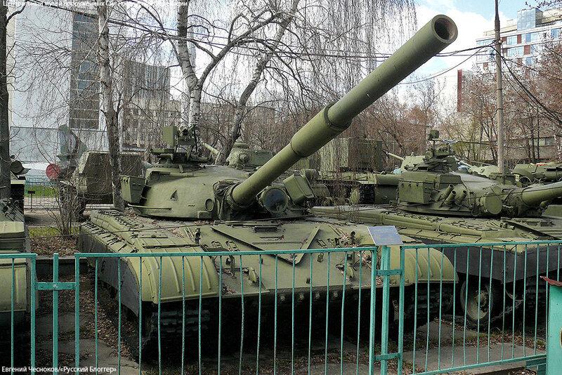 87. Музей ВС. 22.04.15.95. осн боевой танк Т-64А.1973..jpg
