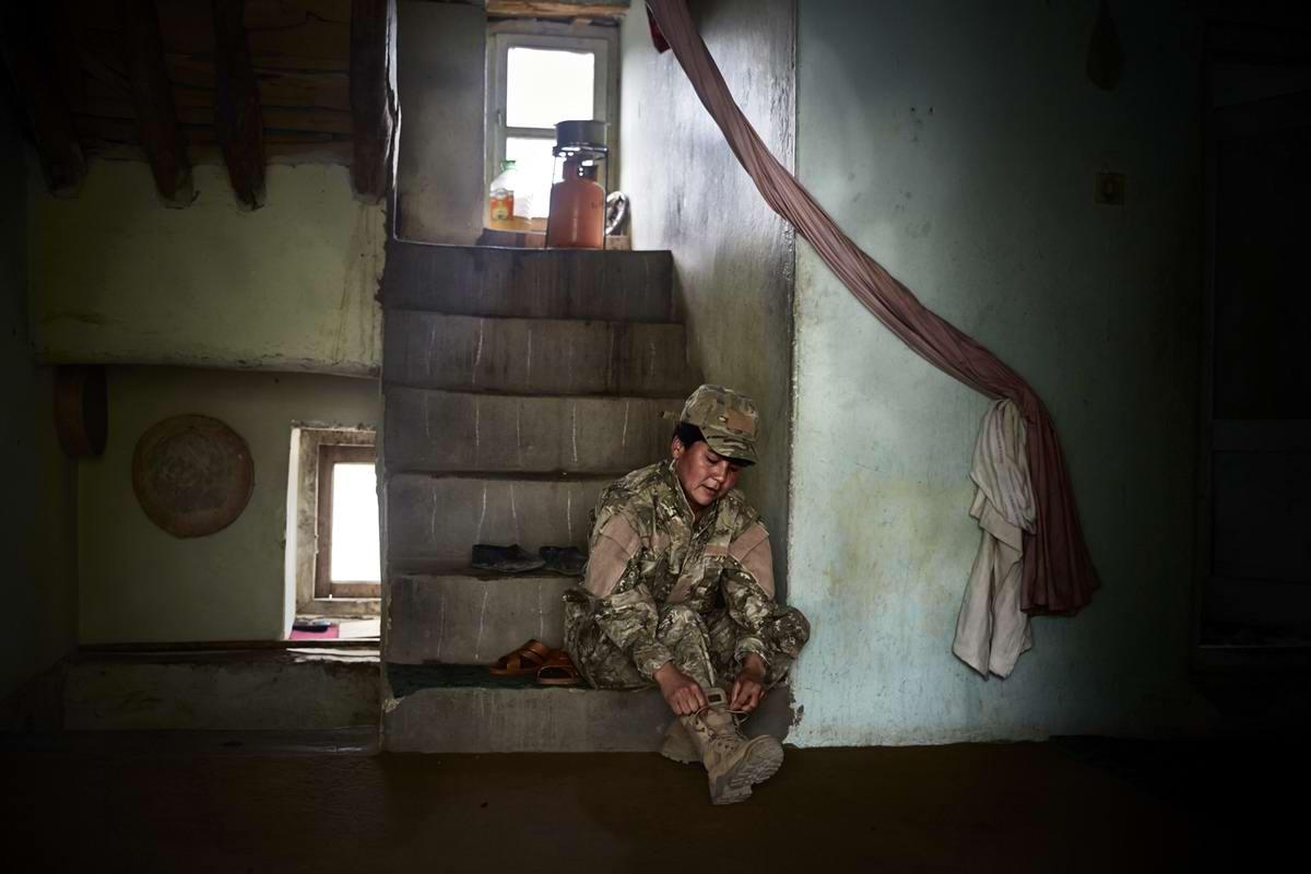 Афганские женщины из спецподразделений МВД Афганистана: картинки из жизни (12)