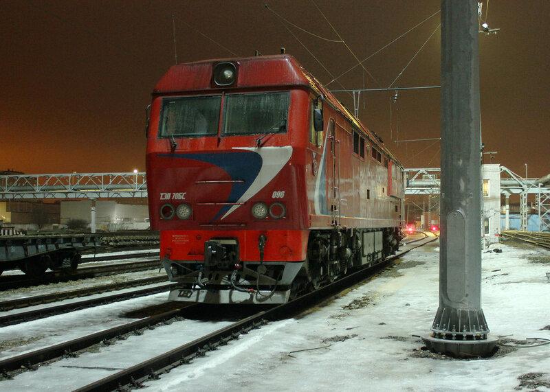 ТЭП70БС-096 в депо Подмосковная