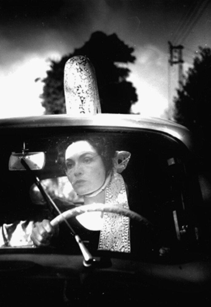 1953. Мадам Брассай с большой шляпой