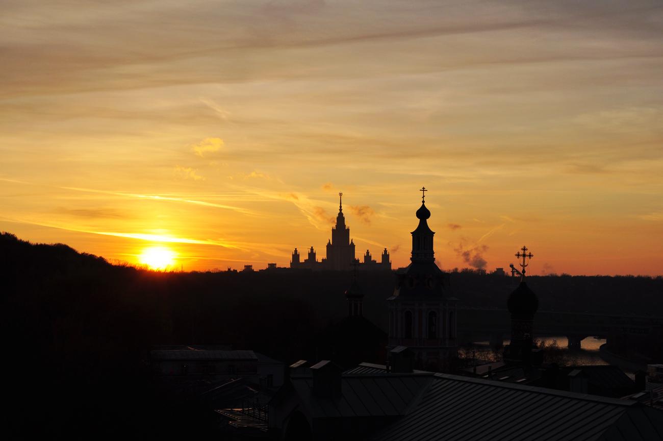 Закат на Воробьевых горах.