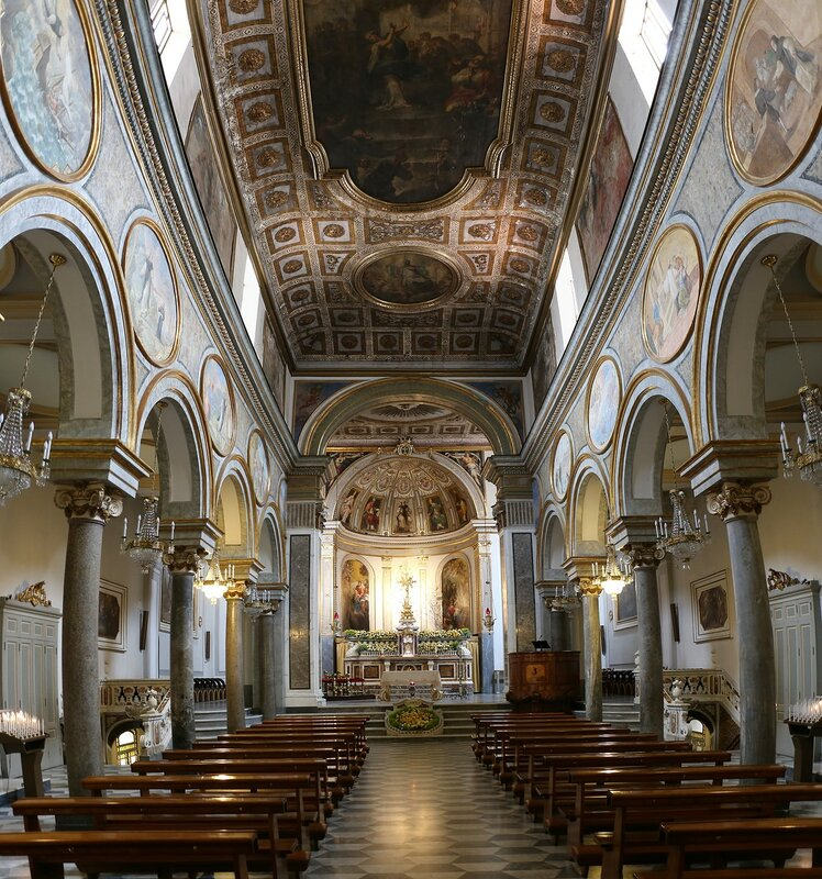 Сорренто. Церковь Сан-Антонио (Basilica di Sant'Antonino)