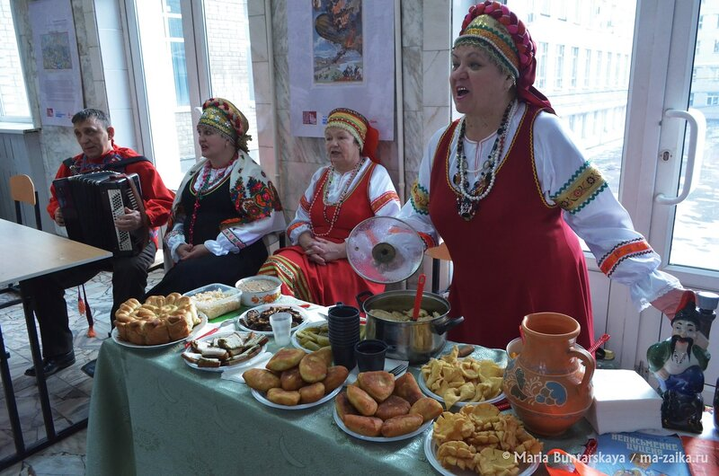 Украинские барвы в Саратове, Саратов, СГСЭУ, 06 декабря 2014 года