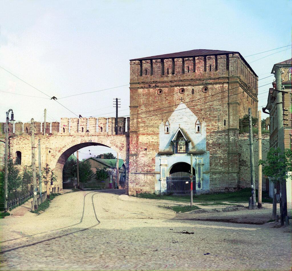 Никольские ворота в Смоленске 1912 год Прокудин-Горский0.jpg