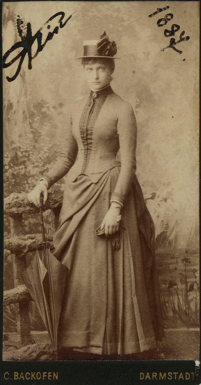 1887.  Принцесса Виктория Алиса Елена Луиза Беатриса Гессен-Дармштадтская