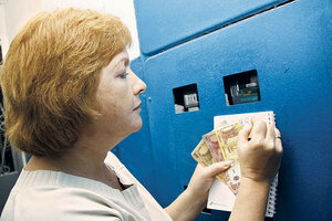 Почему потребители в Молдове так много платят за электричество