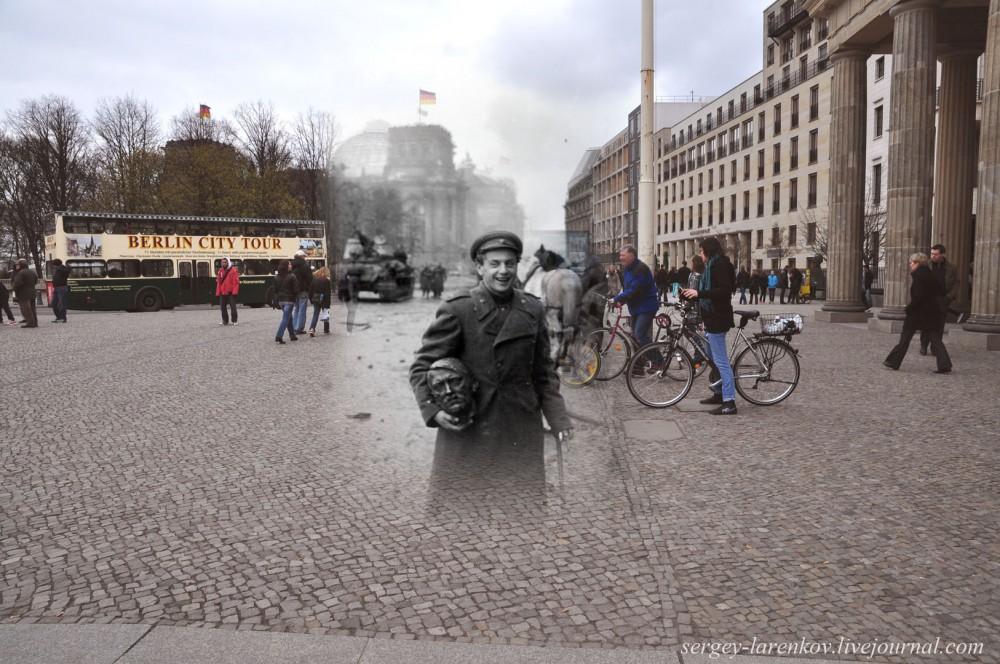 22 Берлин 1945-2010. Поэт Евгений Долматовский с бронзовой головой поверженного фюрера..jpg