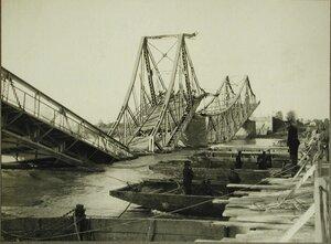 Вид части моста через р.Днестр, разрушенного австрийскими войсками при отступлении.