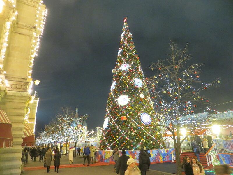 Москва  праздничная. Самая  Красная   ёлка.