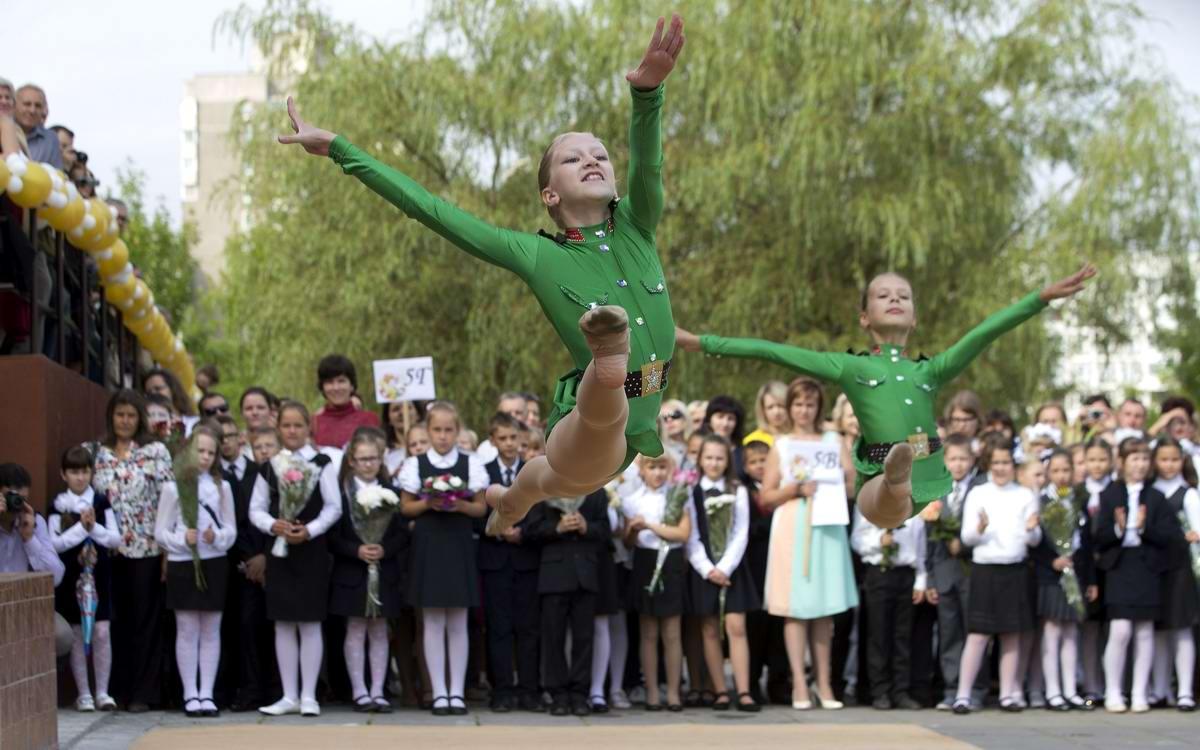 Застывшие в невесомости: Будущие звезды армейского балета