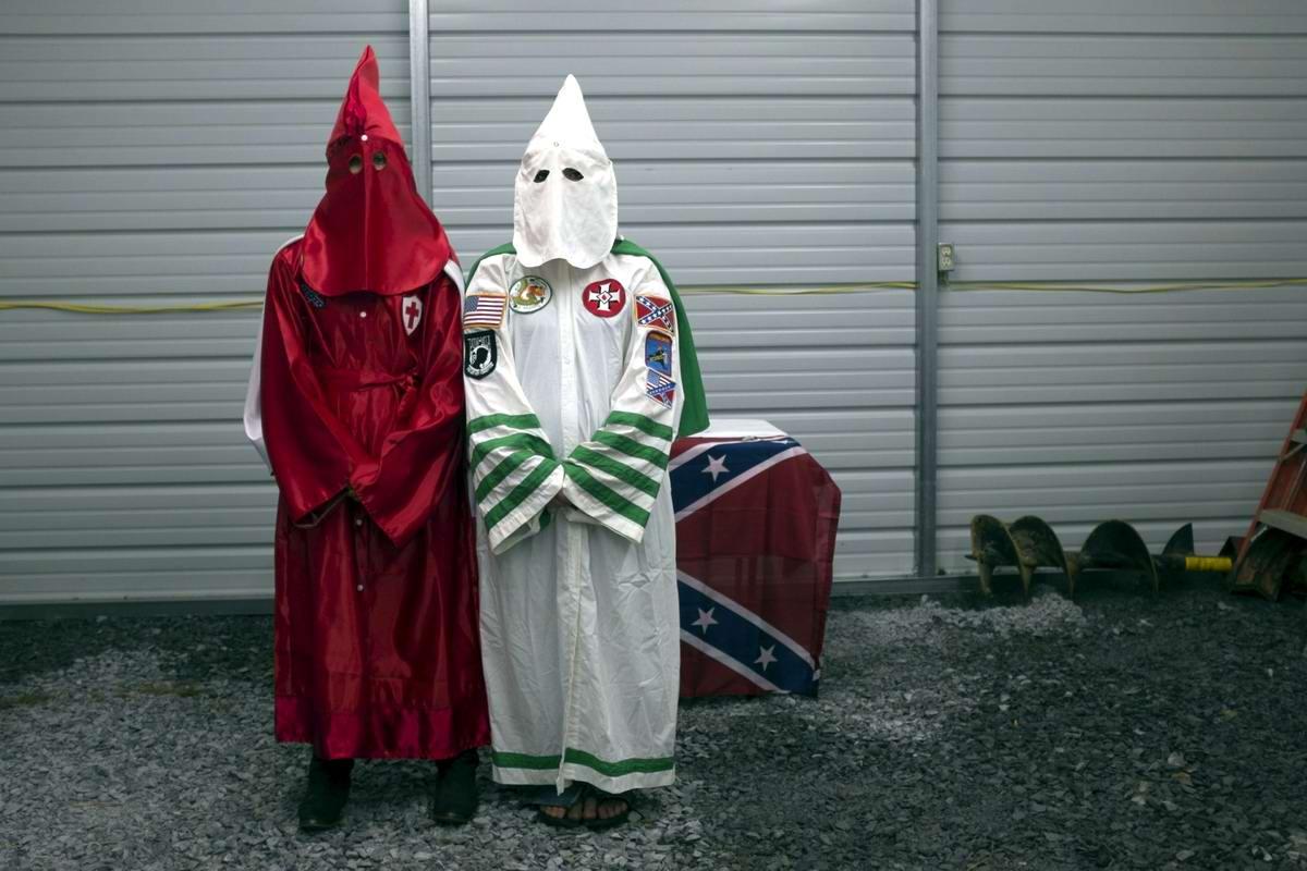 Торжество толерантности: Американский Ку-Клукс-Клан в новой подборке снимков фотографа Johnny Milano (15)