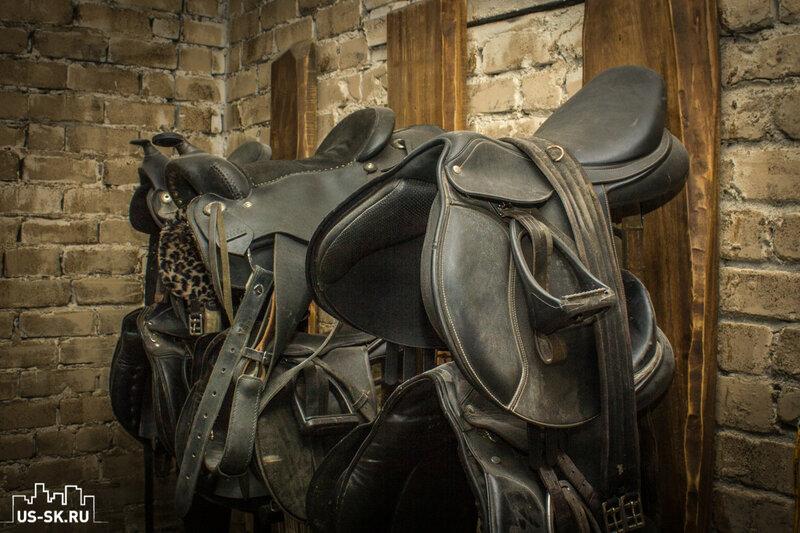 седла для лошадей