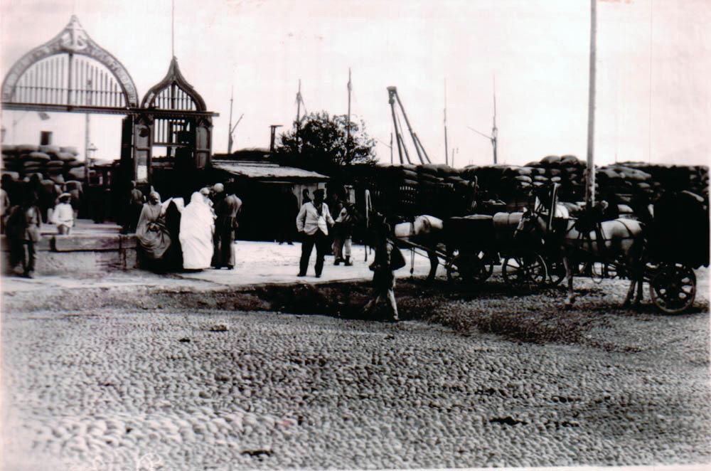 Петровская набережная. Пристань пароходства в Ленкорань и Сальяны