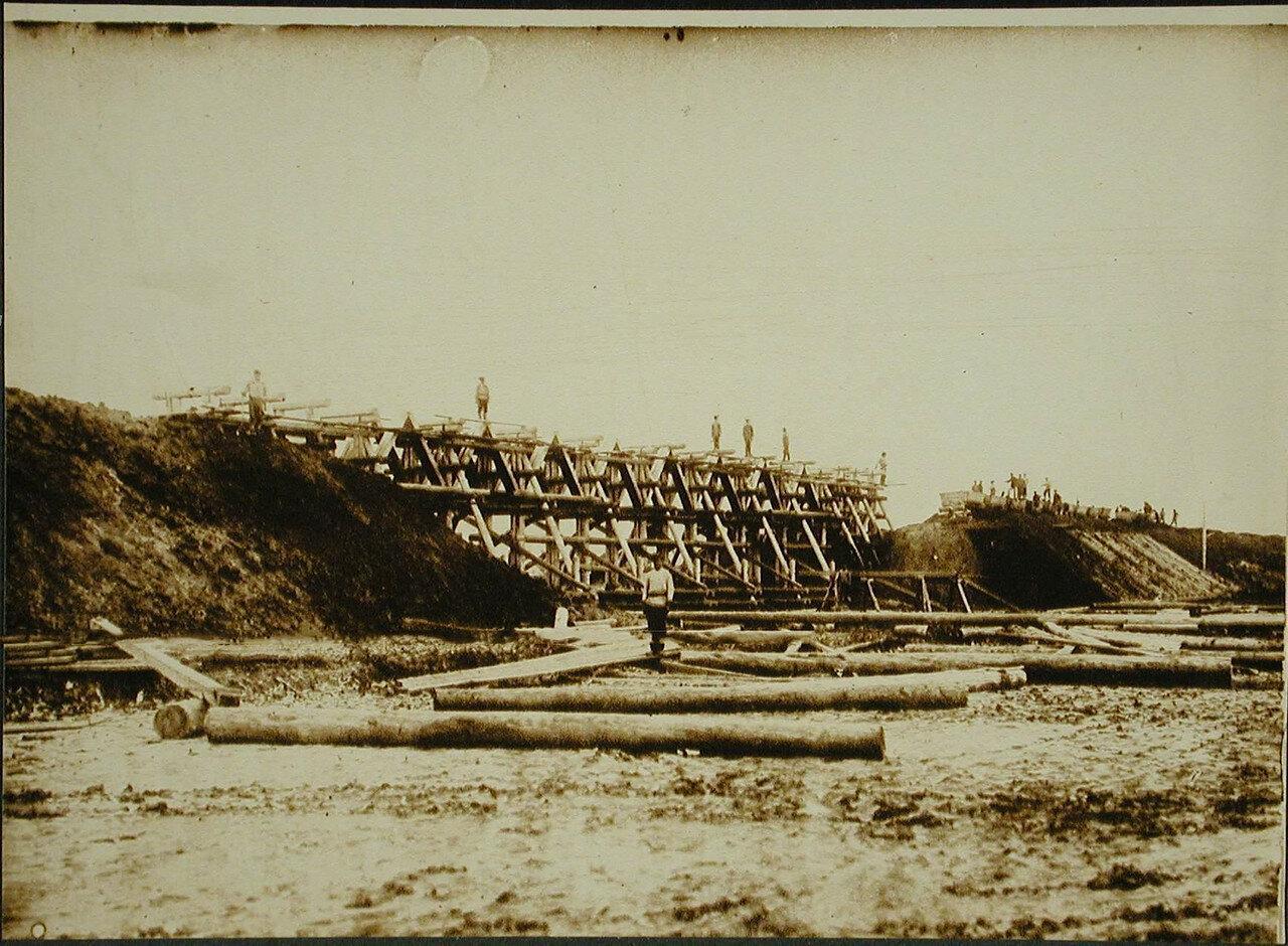 27. Вид моста на пике №135-40 (на 543-й версте). Амурская обл. 1910-1914