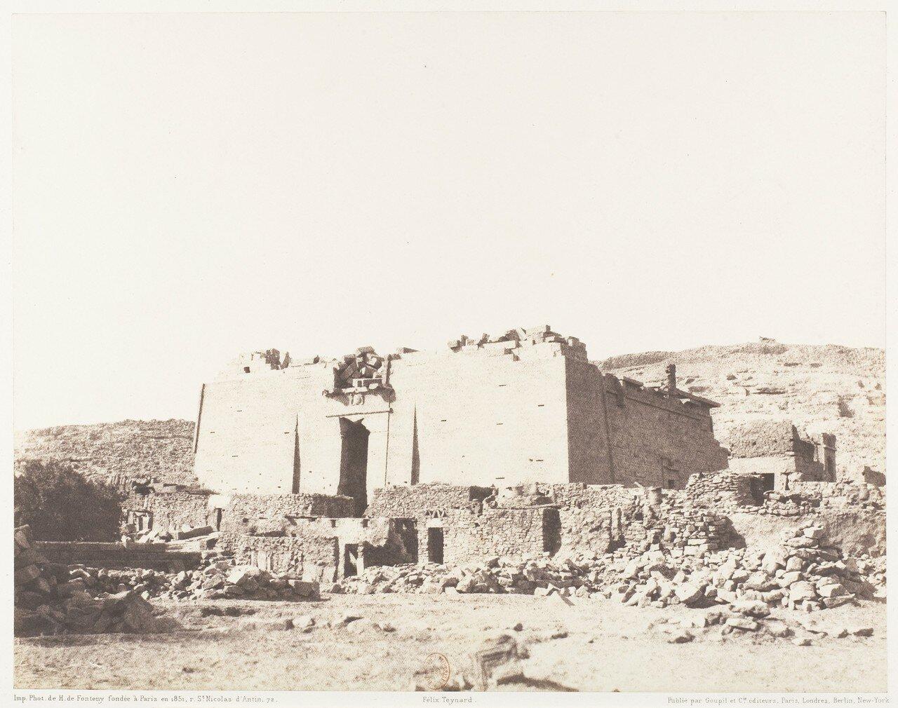 Калабша. Руины храма. Фасад здания