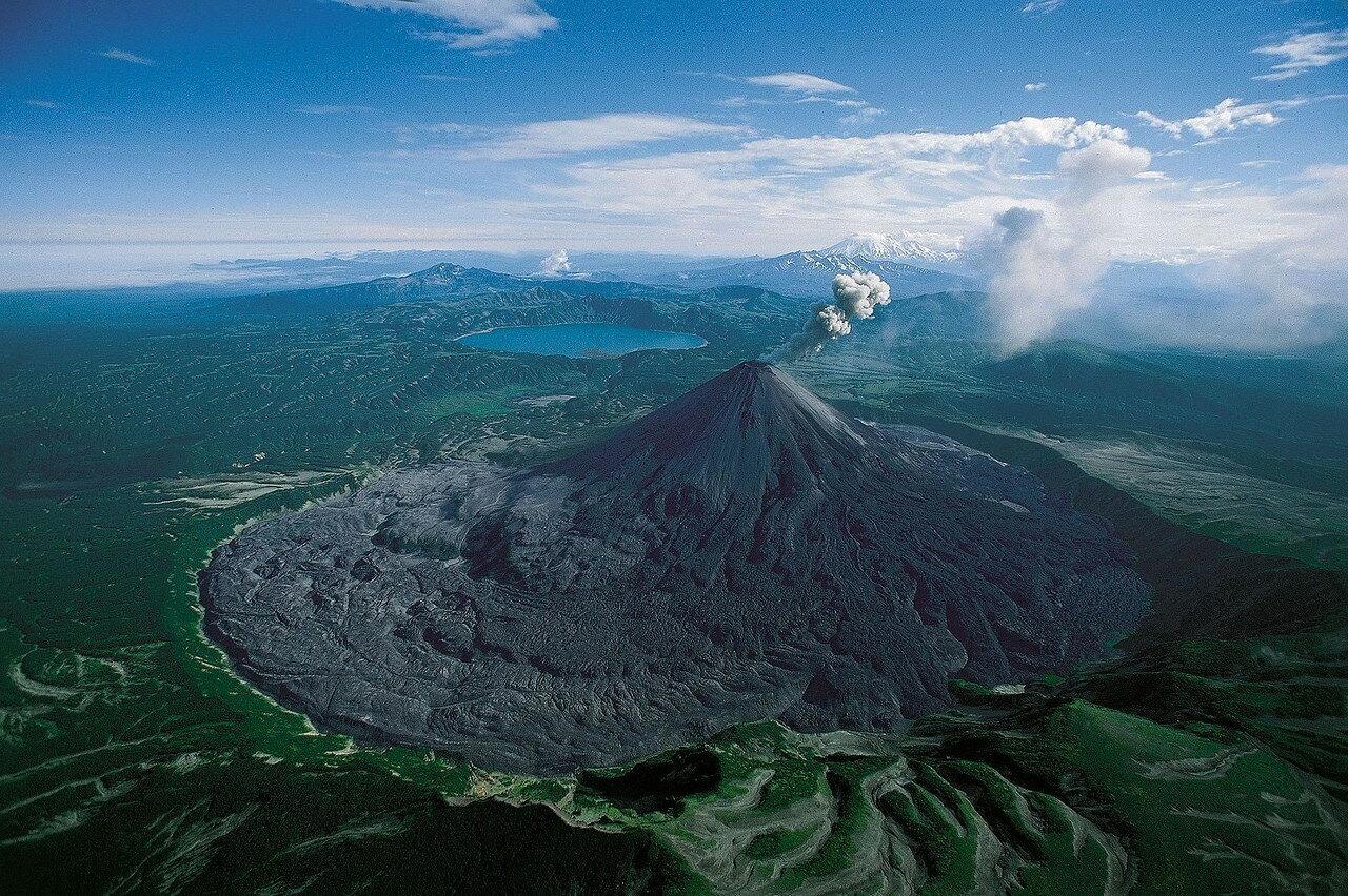 30. Извержение вулкана Карымская Сопка, Камчатка