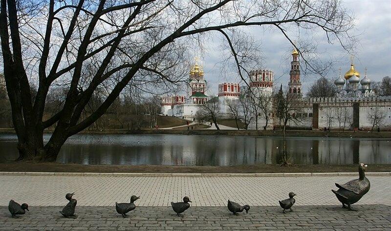 памятник птицам в Москве