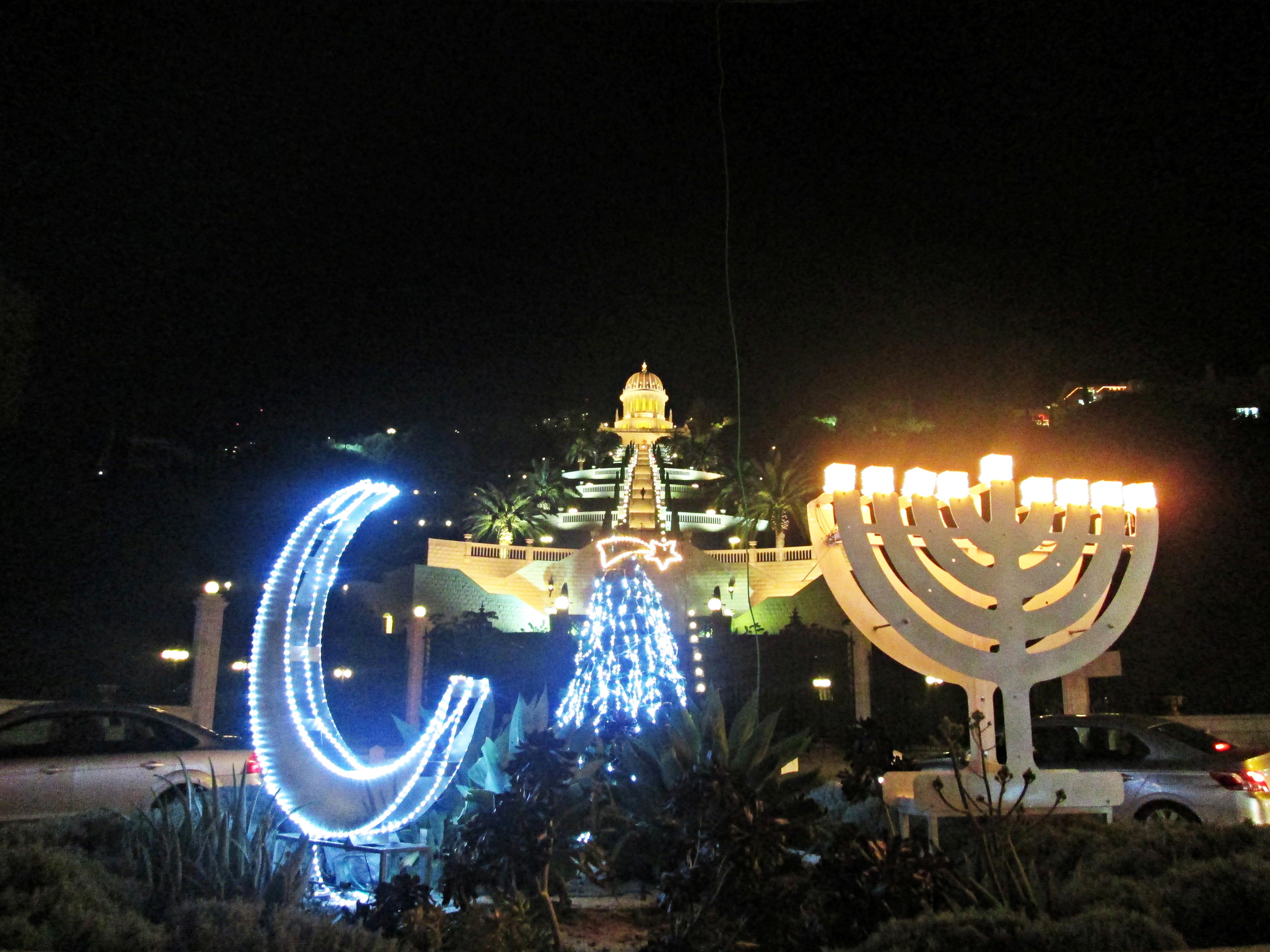 Одна насыщенная пятница после Хануки или ночь перед Рождеством