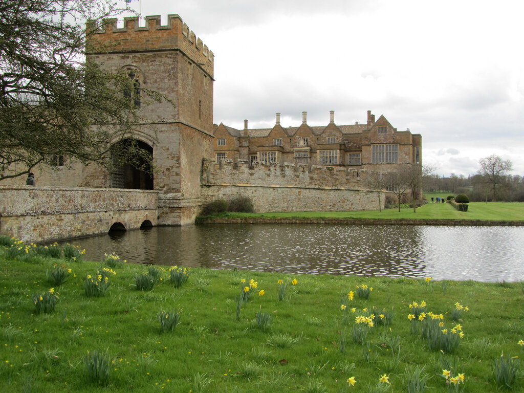 Картинки по запросу Замок Броутон