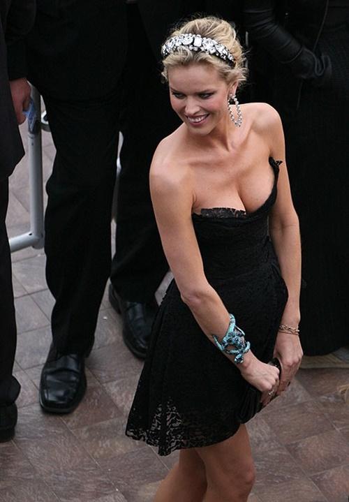 Парад декольте на Каннском кинофестивале 2010