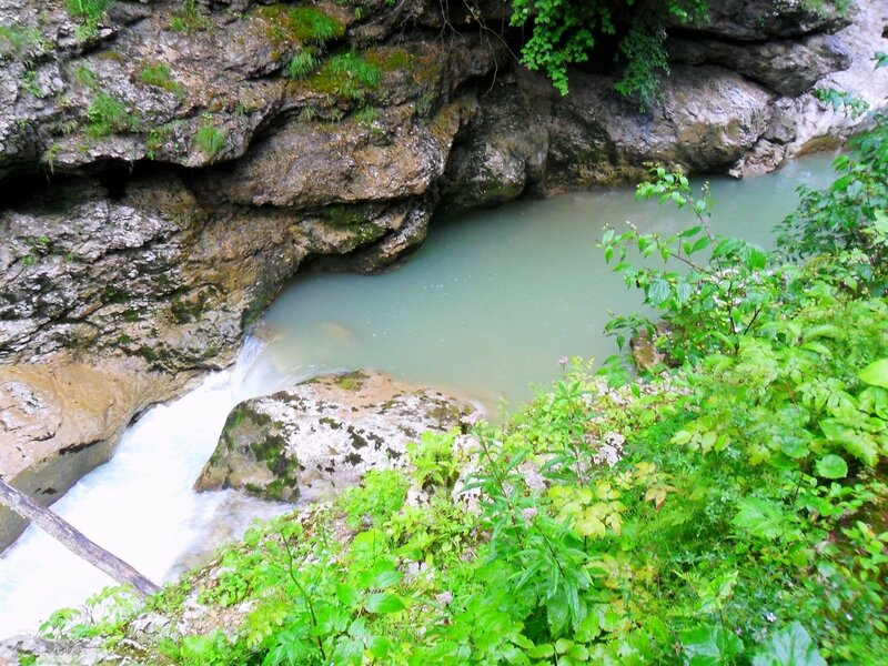 У реки ... SAM_0438.JPG