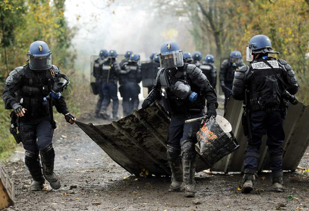 Мобильная жандармерия: Бойцы Французского ударного ОМОНа (1)