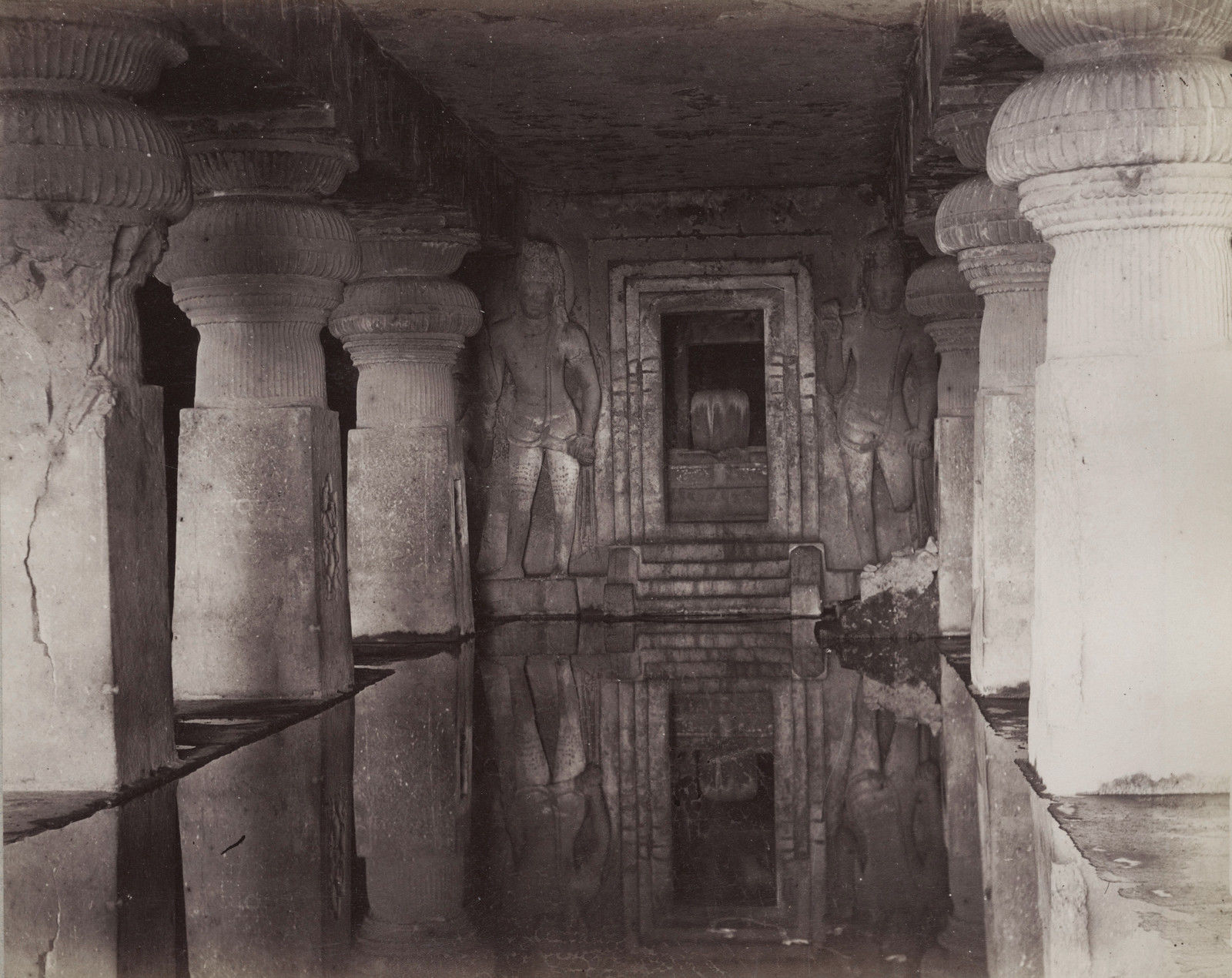 Остров Элефанта. Пещерные храмы. 1880