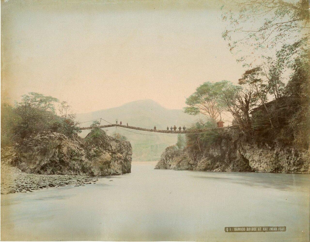 Бамбуковый мост Кай вблизи Фудзи