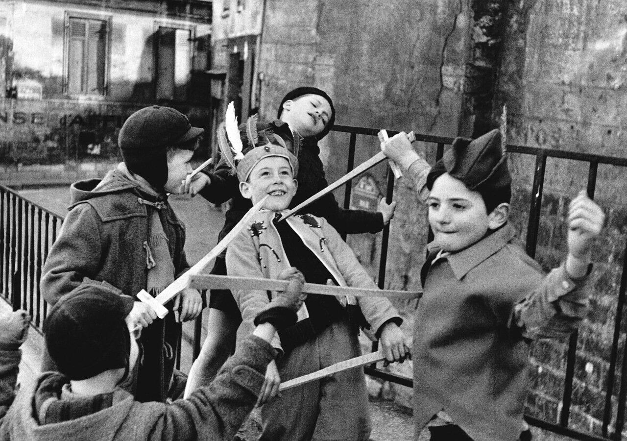 1952. Уличная драка