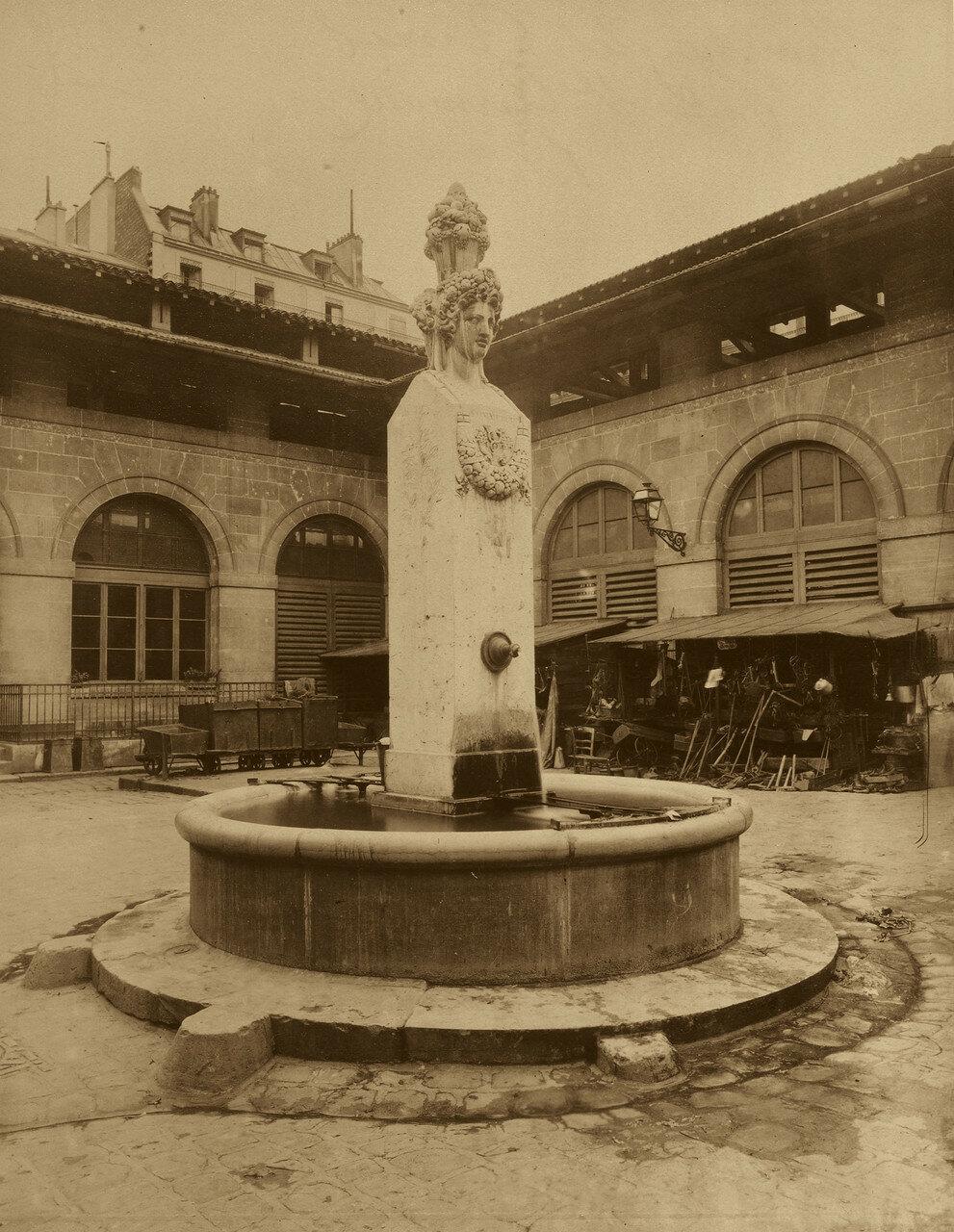 1898. Бульвар Сен-Жермен. Во дворе монастыря кармелитов