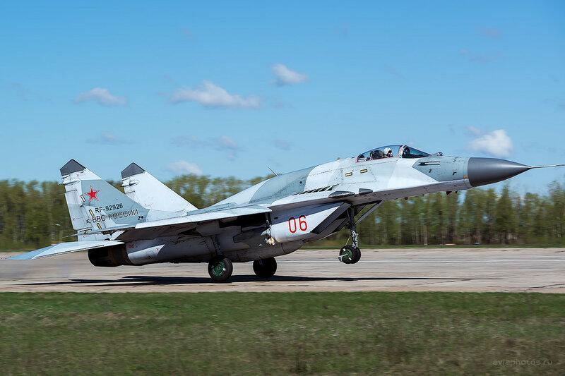 Микоян-Гуревич МиГ-29СМТ (RF-92926 / 06 красный) D807906_1400