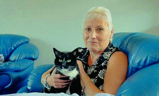 Кошка Чарли спасла хозяку от неминуемой смерти, разбудив её супруга