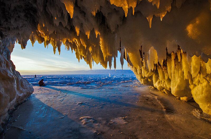Вид из ледяной пещеры
