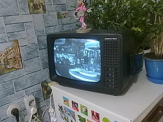 дочка дает силова до телевізора юность406д сучка ванне