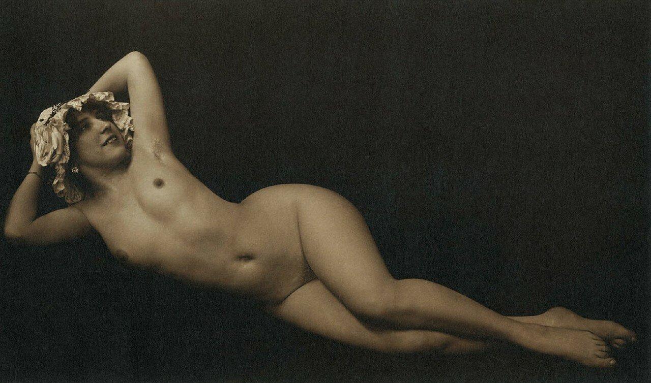 1930. Темная тональность