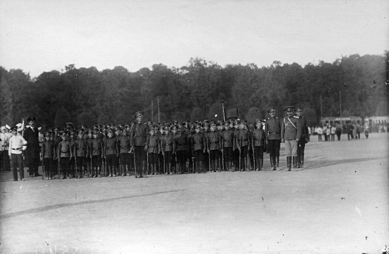 12. Отряд потешных в строю во время смотра.  1 августа 1912