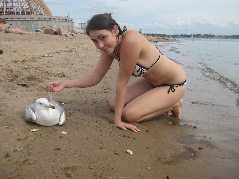 голые на террасе у моря фото №74013