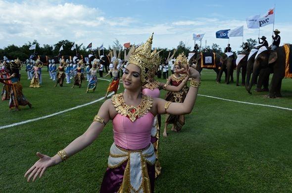 Слоны вместо лошадей в тайской версии игры в поло
