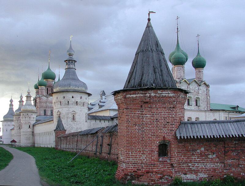 Rostov Kreml_2006_07a.jpg