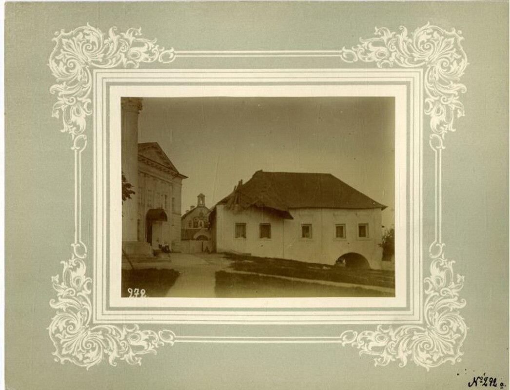 26. Ризница после урагана 29 мая 1891 года, вдали трапезная