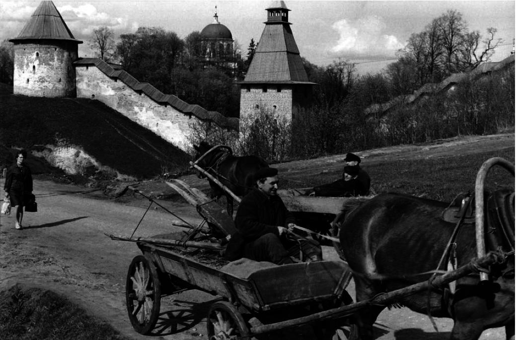 1972. Псков. Печорский монастырь (XV-го века)