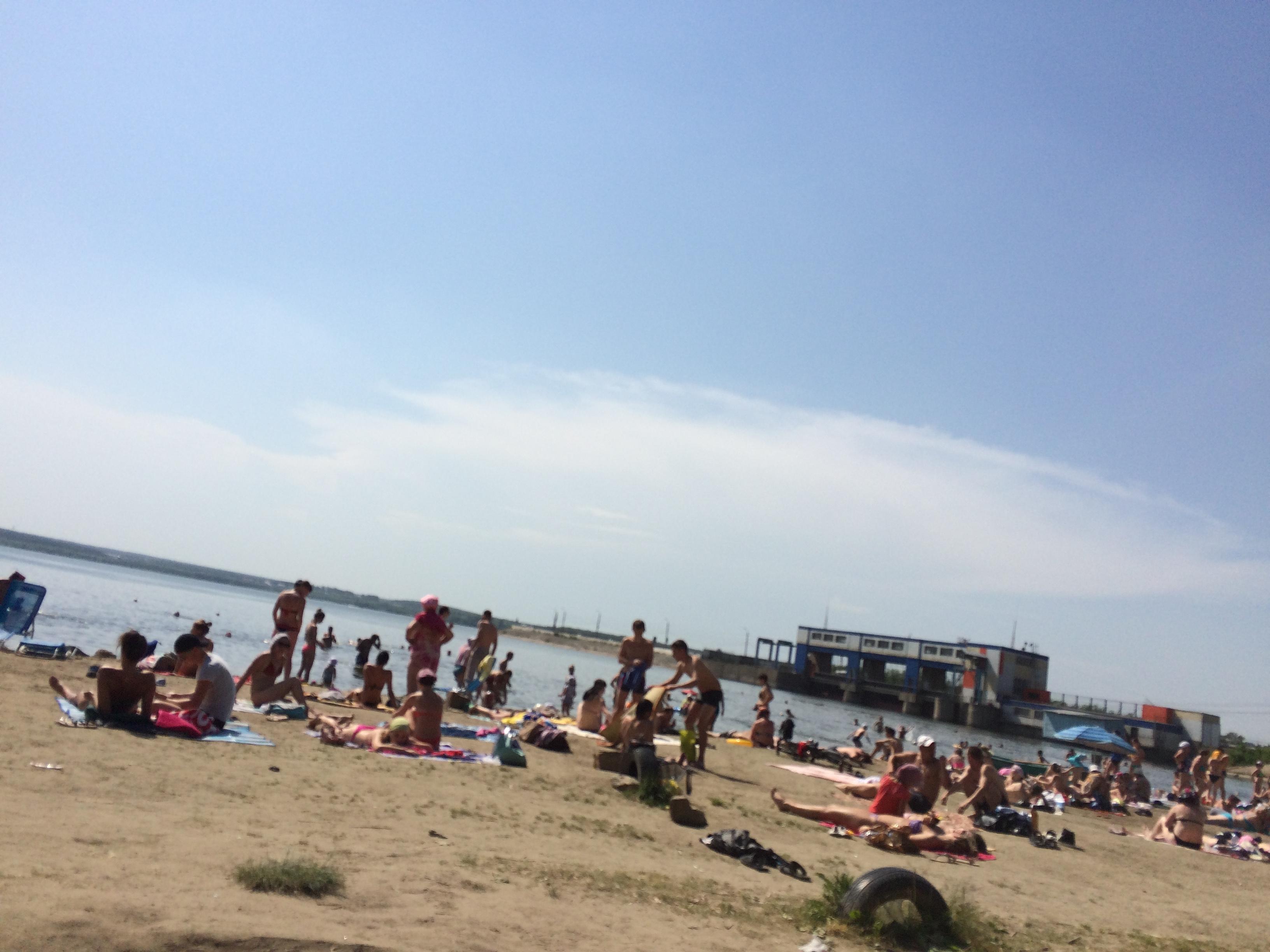 Городской пляж на Шершнёвском водохранилище (22.06.2015)