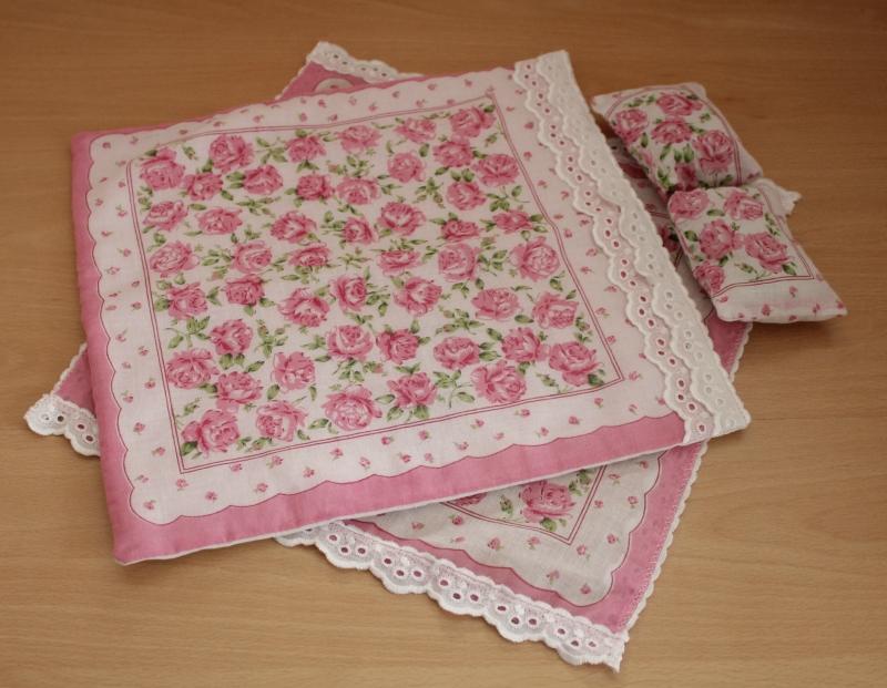 Как сшить одеяло и подушки для барби 31