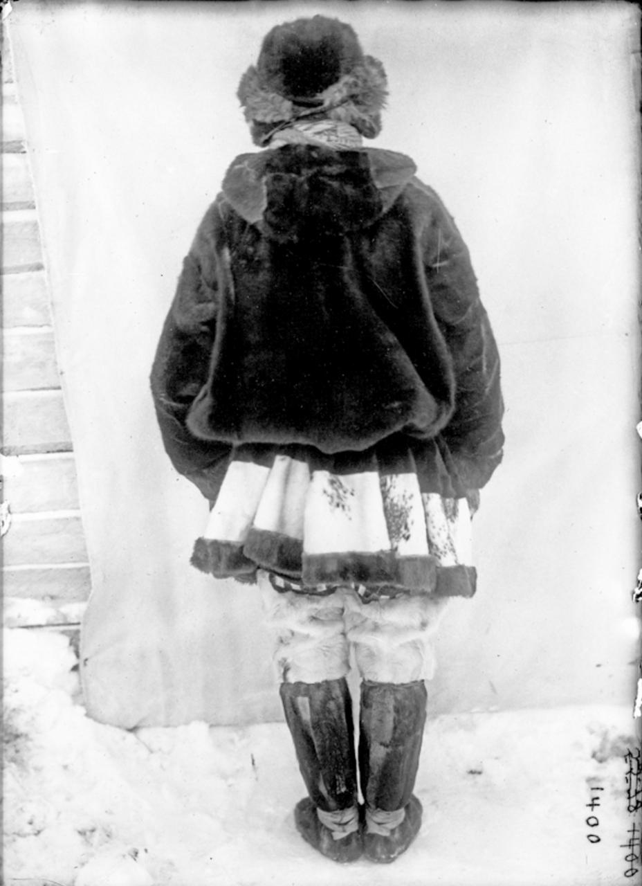 Человек в дорожном платье, Сибирь, 1901